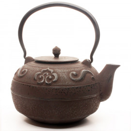 "Cast Iron Teapot ""Roma"""